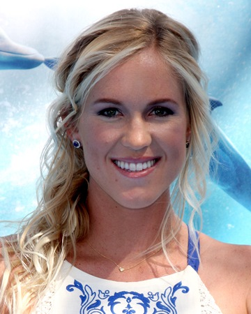 Bethany Hamilton Biography, Age, Weight, Height, Friend, Like, Affairs, Favourite, Birthdate & Other