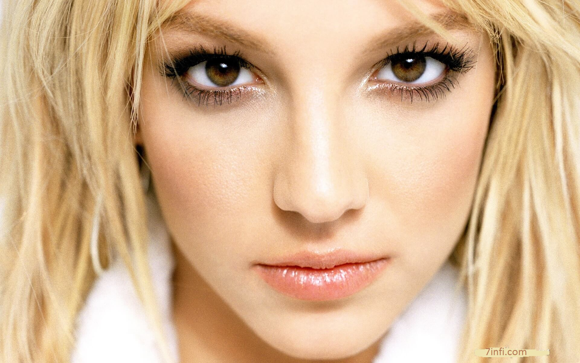 Britney Biography, Age, Weight, Height, Friend, Like, Affairs, Favourite, Birthdate & Other