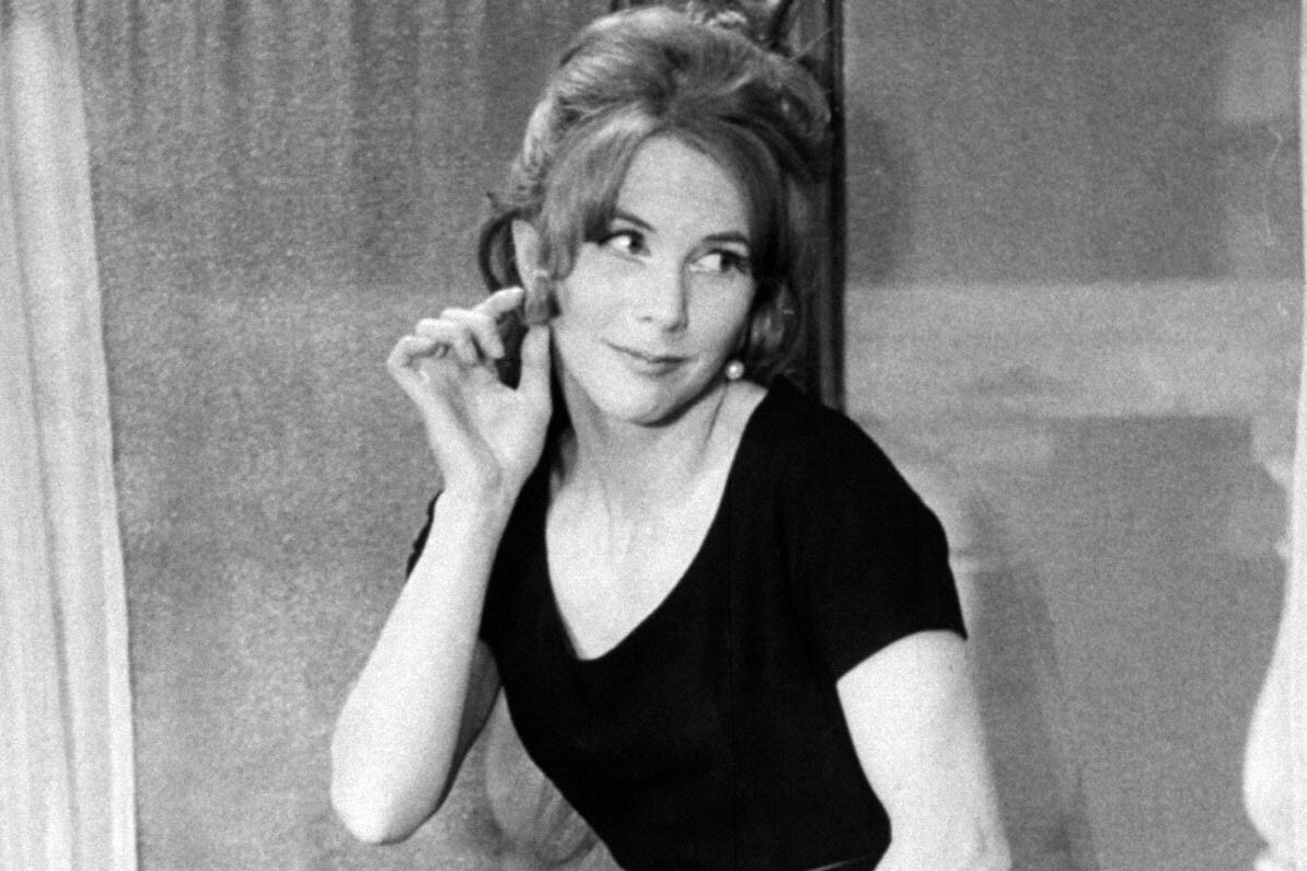 Julie Harris Biography, Age, Weight, Height, Friend, Like, Affairs, Favourite, Birthdate & Other