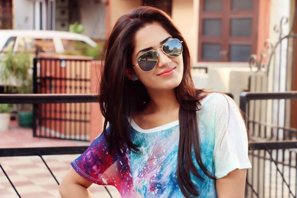 Ruhani Sharma Biography, Age, Weight, Height, Friend, Like, Affairs, Favourite, Birthdate & Other